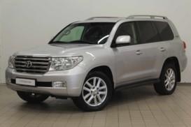 Toyota Land Cruiser 2011 г. (серебряный)