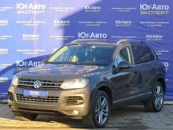 Volkswagen Touareg 2011 г. (серый)