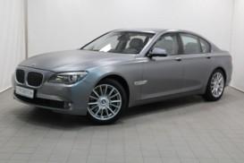 BMW 7er 2011 г. (серый)