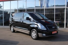 Hyundai Starex 2012 г. (черный)