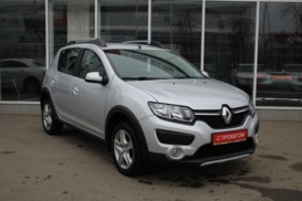 Renault Sandero 2016 г. (серый)