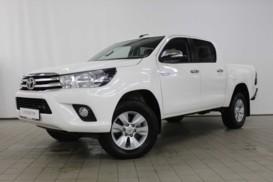 Toyota Hilux 2016 г. (белый)