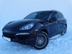 Porsche Cayenne 2010 г. (пурпурный)
