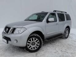 Nissan Pathfinder 2012 г. (серебряный)