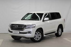 Toyota Land Cruiser 2015 г. (белый)