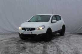 Nissan Qashqai 2012 г. (белый)