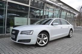 Audi A8 2013 г. (белый)