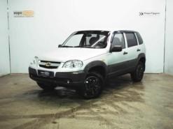 Chevrolet Niva 2010 г. (серебряный)