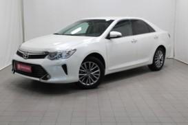 Toyota Camry 2017 г. (белый)