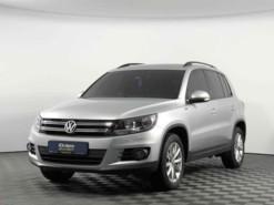 Volkswagen Tiguan 2016 г. (серебряный)