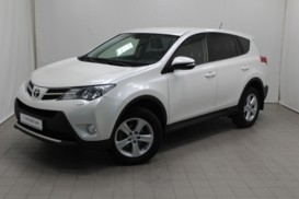 Toyota RAV4 2013 г. (белый)