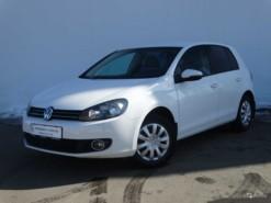 Volkswagen Golf 2010 г. (белый)