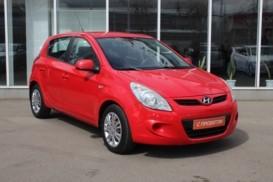 Hyundai i20 2009 г. (красный)