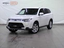 Mitsubishi Outlander 2014 г. (белый)