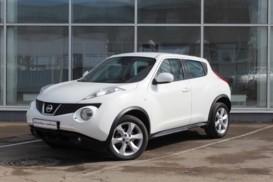 Nissan Juke 2012 г. (белый)