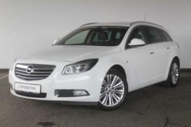Opel Insignia 2012 г. (белый)