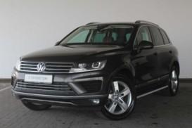 Volkswagen Touareg 2015 г. (бежевый)