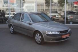Opel Vectra 1997 г. (серый)