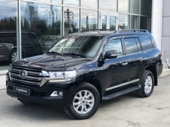 Toyota Land Cruiser 2017 г. (черный)
