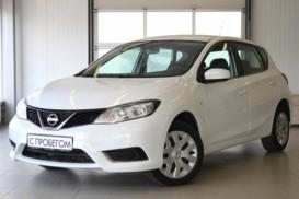 Nissan Tiida 2015 г. (белый)