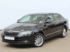 Škoda Superb 2014 г. (черный)
