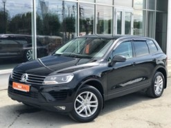 Volkswagen Touareg 2016 г. (черный)