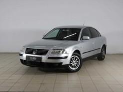 Volkswagen Passat 2001 г. (серебряный)