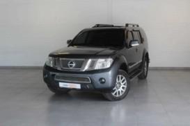Nissan Pathfinder 2010 г. (серый)