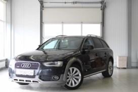 Audi A4 2012 г. (черный)