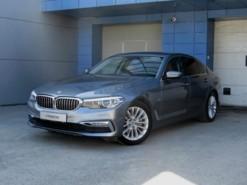 BMW 5er 2017 г. (серый)