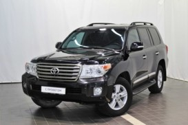 Toyota Land Cruiser 2013 г. (черный)