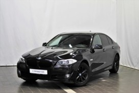 BMW 5er 2012 г. (черный)