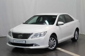 Toyota Camry 2014 г. (белый)