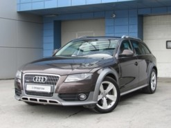 Audi A4 2010 г. (коричневый)