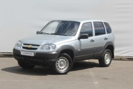 Chevrolet Niva 2014 г. (серебряный)