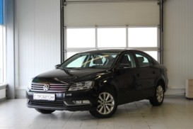 Volkswagen Passat 2014 г. (черный)