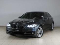 BMW 5er 2016 г. (серый)
