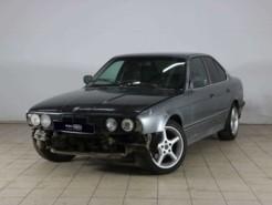 BMW 5er 1992 г. (серый)