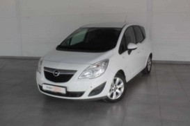 Opel Meriva 2012 г. (белый)