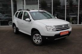 Renault Duster 2013 г. (белый)