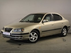 Hyundai Elantra 2004 г. (бежевый)