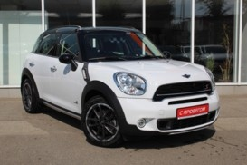 Mini Cooper Countryman 2015 г. (белый)