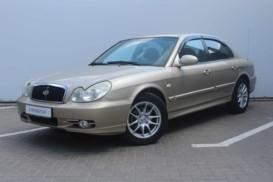 Hyundai Sonata 2005 г. (золотой)