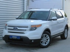 Ford Explorer 2012 г. (белый)