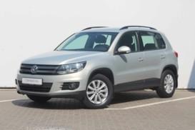 Volkswagen Tiguan 2011 г. (серебряный)