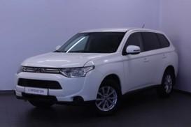 Mitsubishi Outlander 2012 г. (белый)