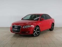 Audi A4 2005 г. (красный)