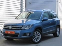 Volkswagen Tiguan 2015 г. (синий)