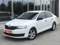 Škoda Rapid 2016 г. (белый)