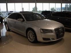 Audi A8 2011 г. (серебряный)